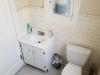 01-caller-bathroom.png